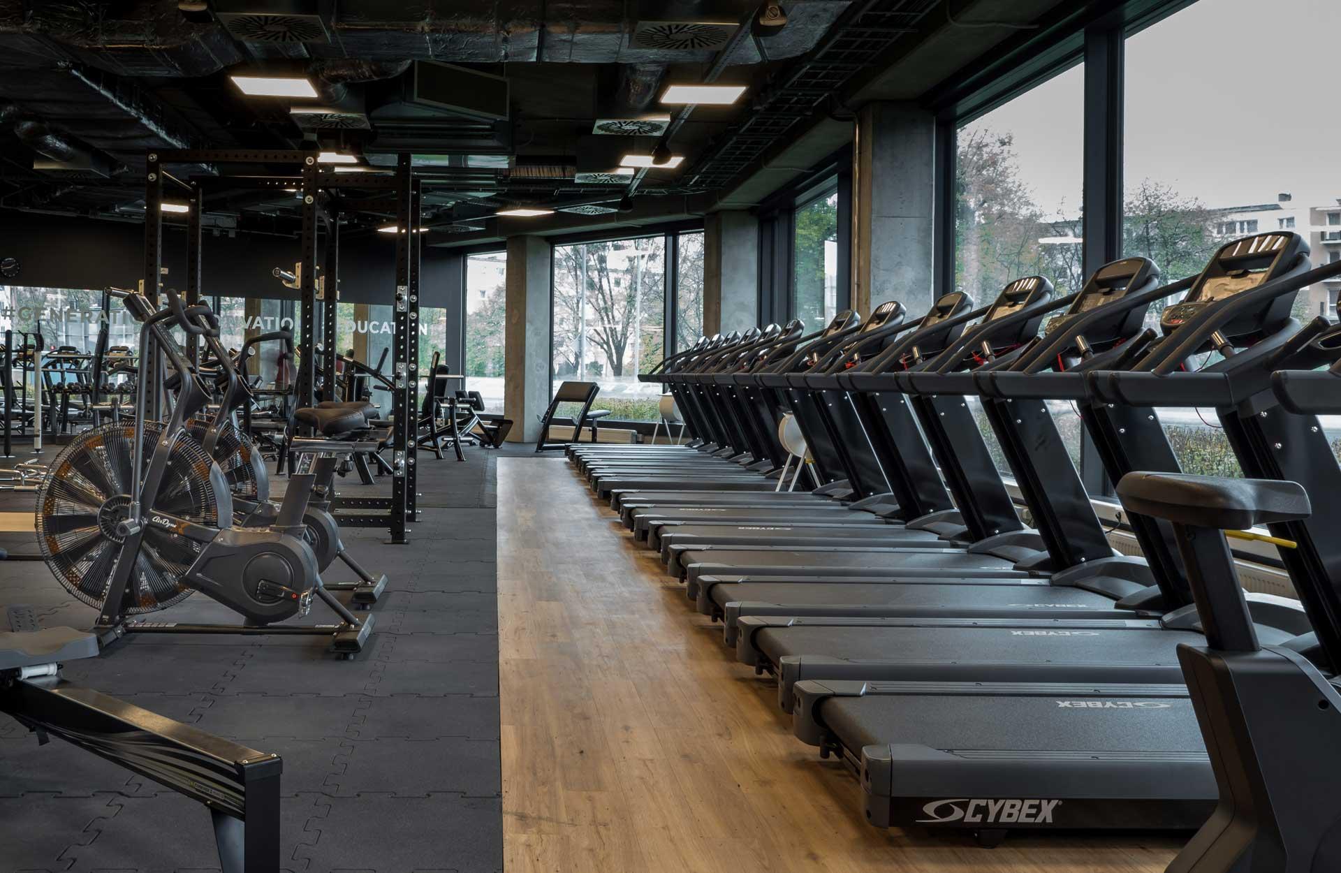 Klub Fitness Poznań bieżnie
